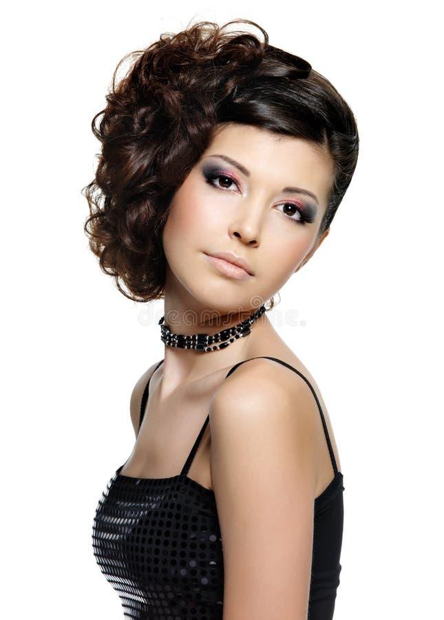 pięknej fryzury nowożytni kobiety potomstwa obrazy stock
