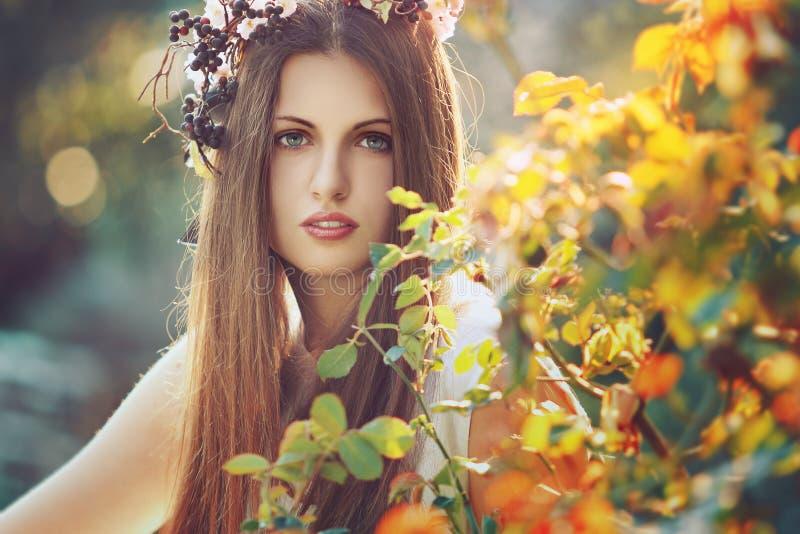 Pięknej kobiety kolorowy portret fotografia royalty free