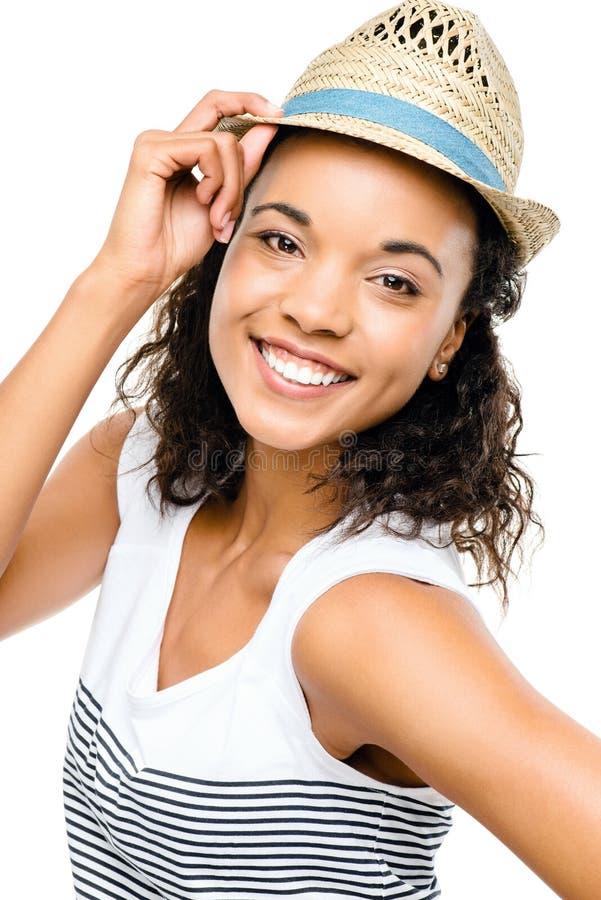 Pięknej mieszanej biegowej kobiety uśmiechnięty portret odizolowywający na bielu obrazy stock