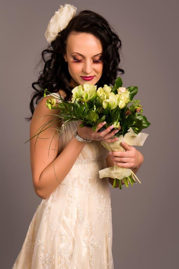 pięknej panny młodej szczęśliwy portret zdjęcie stock