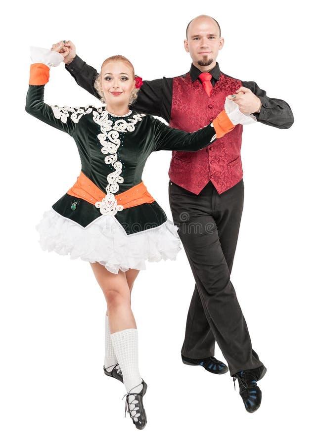 Pięknej pary Irlandzcy tancerze odizolowywający fotografia royalty free