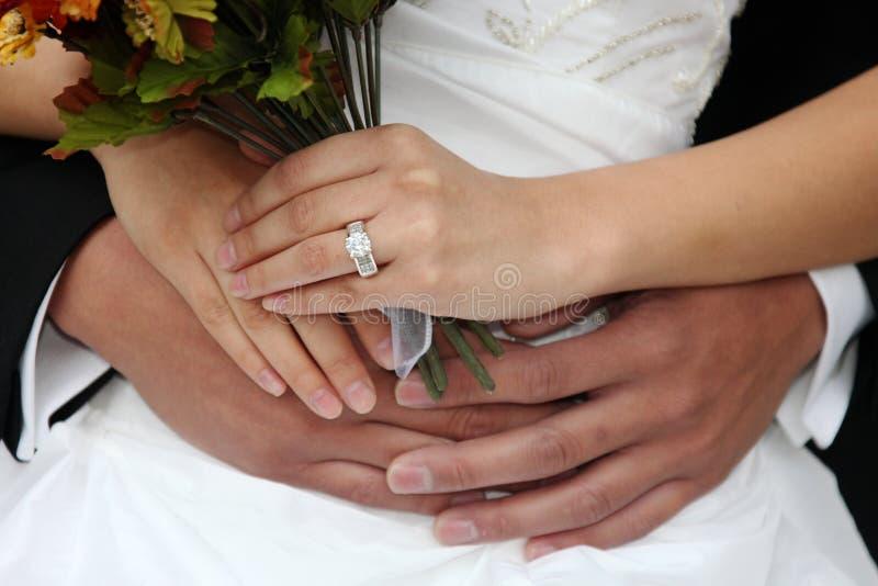 pięknej pary szczęśliwy nowożeńcy fotografia stock