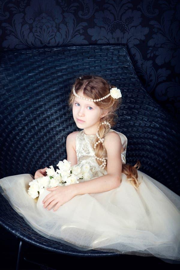 pięknej smokingowej dziewczyny mały princess obrazy stock