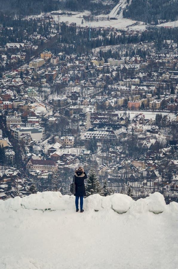 Pięknej zimy turystyczny miasteczko Zakopane w Polska obrazy royalty free