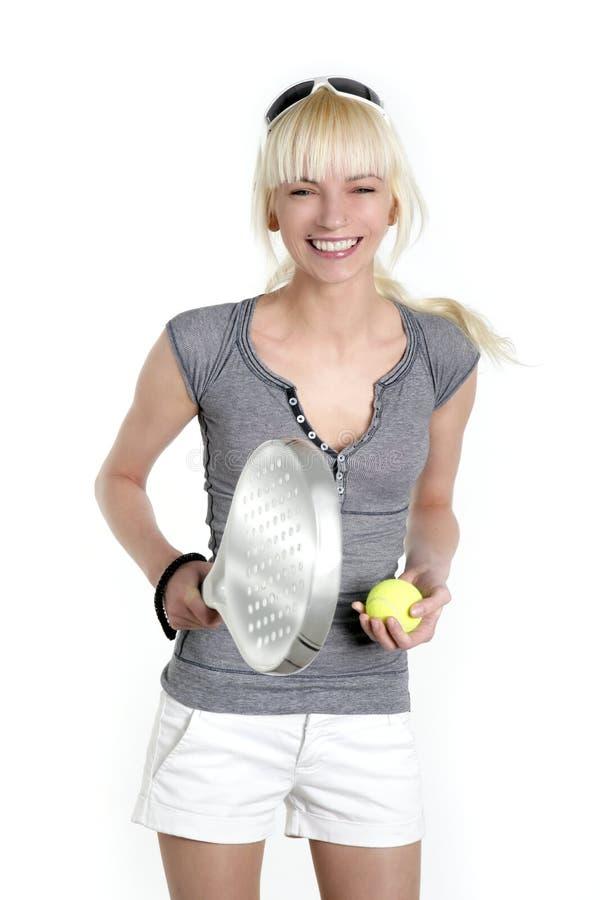 piękni blondynki dziewczyny sporta tenisa potomstwa fotografia royalty free