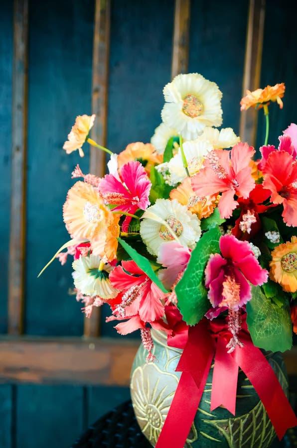 Piękni kwiaty w rocznika stylu obraz stock