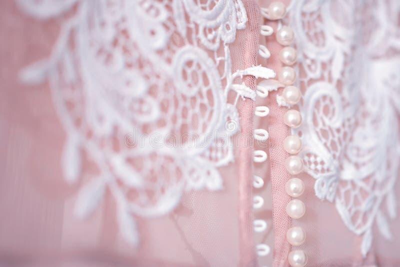 Piękni różowi ślubnej sukni szczegóły obraz royalty free