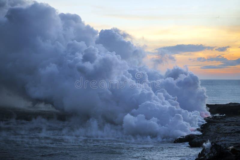Piękni sceniczni głąbiki Duża wyspa wulkany, góry, ocean i zmierzchy Hawaje, obraz royalty free