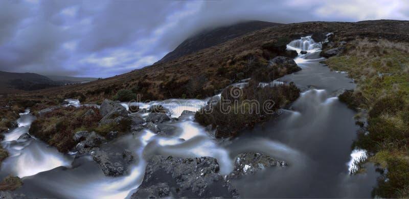 Piękni sceniczni głąbiki Irlandia, Północna wyspa kasztelów noc i zmierzchy zdjęcia royalty free