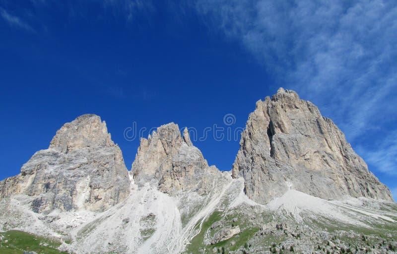 Piękni skaliści szczyty Langkofel, Sassolungo zdjęcie stock