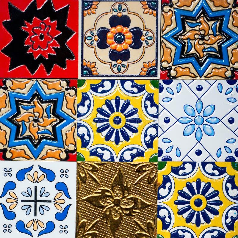Piękni starzy ścienni ceramicznych płytek wzory handcraft od Thailand społeczeństwa obraz stock
