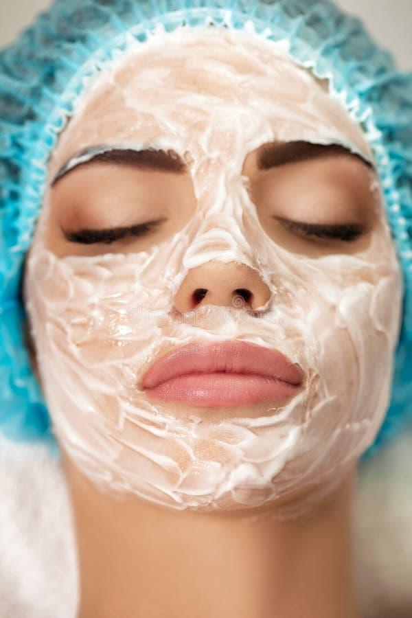 piękni twarzy maski kobiety potomstwa fotografia royalty free