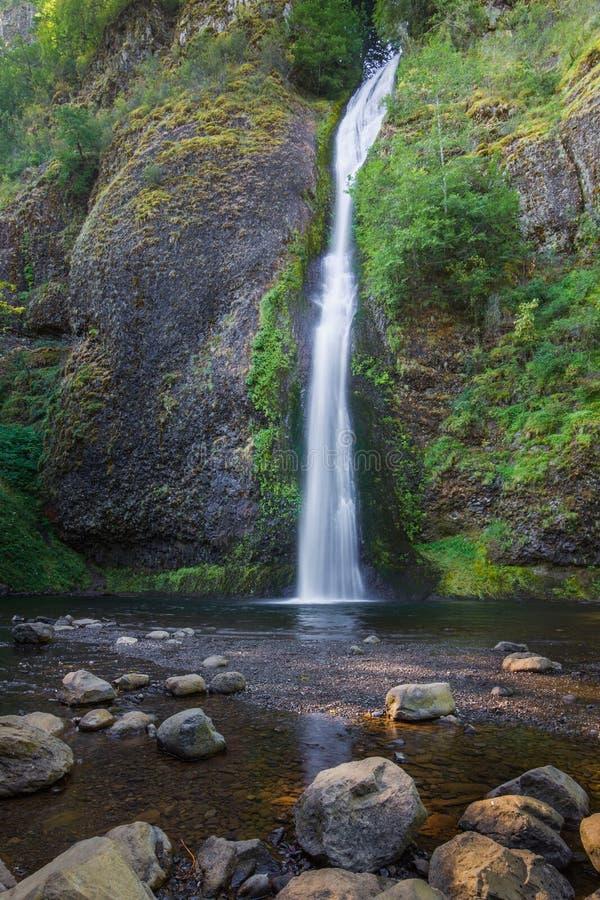 pięknie się Columbii wąwozu horsetail wielu jeden wodospadu obrazy royalty free