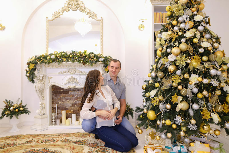 Piękno żona i, embracin zdjęcia royalty free