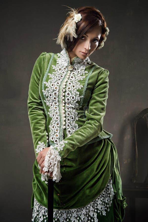 piękno kobieta smokingowa stara target717_0_ obrazy stock