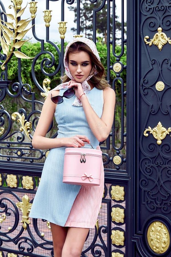 Piękno kobiety mody modela splendoru seksowny styl odziewa obrazy royalty free