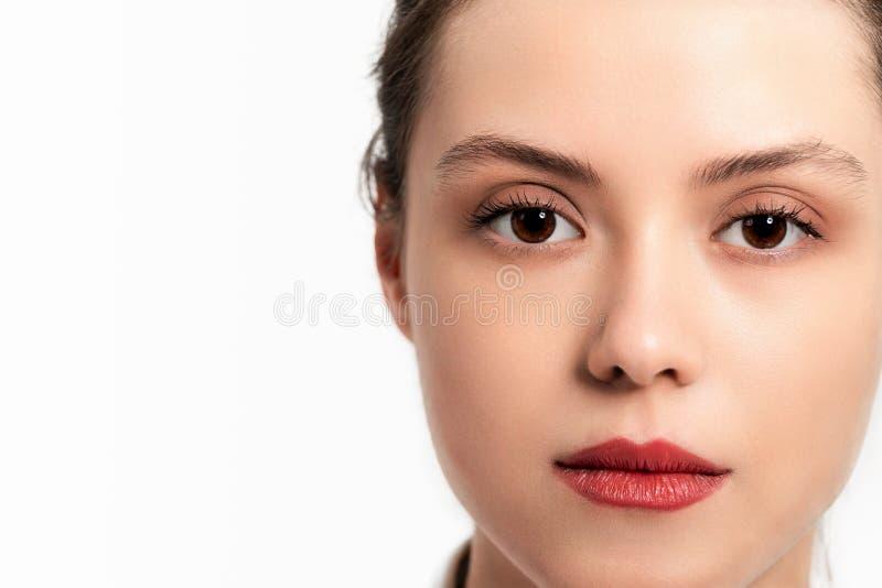 Piękno kobiety twarzy portret Skóry opieki pojęcie pojedynczy białe tło zdjęcie royalty free