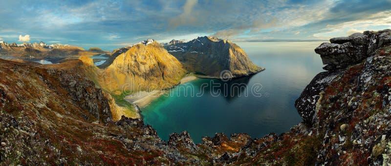 Piękno krajobraz w Norwegia, Lofoten plaża obraz stock