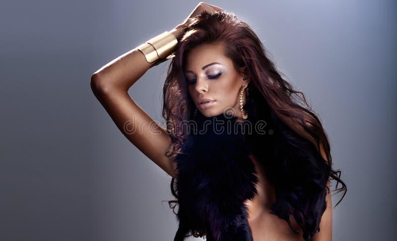 Piękno portret brunetki dziewczyna. zdjęcia royalty free