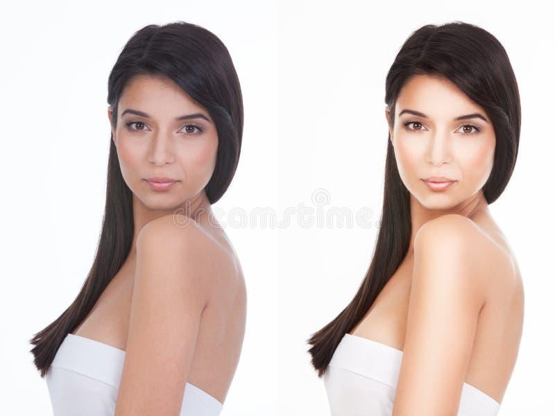Piękno portret młoda kobieta patrzeje nad jej ramieniem zdjęcie royalty free