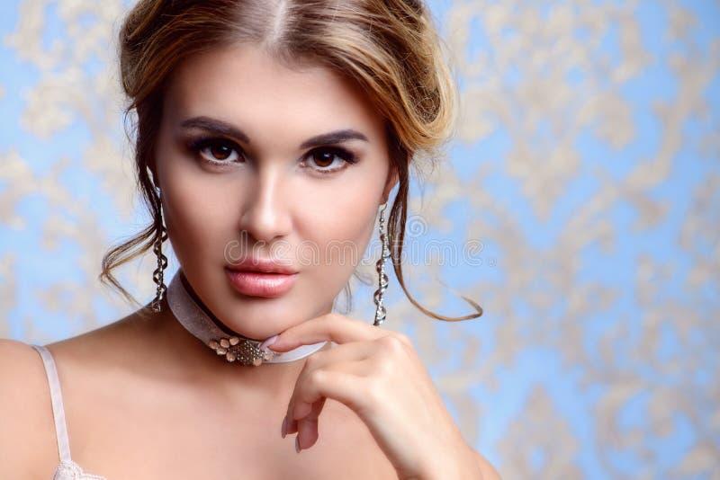 Piękno powabna dziewczyna obrazy royalty free
