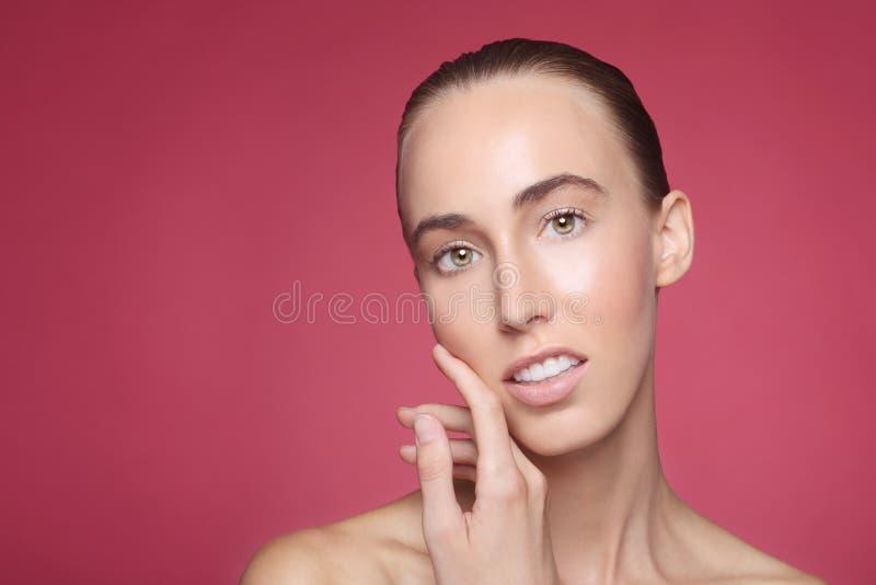 Piękno wizerunek Ładna i Szczęśliwa kobieta zdjęcie stock
