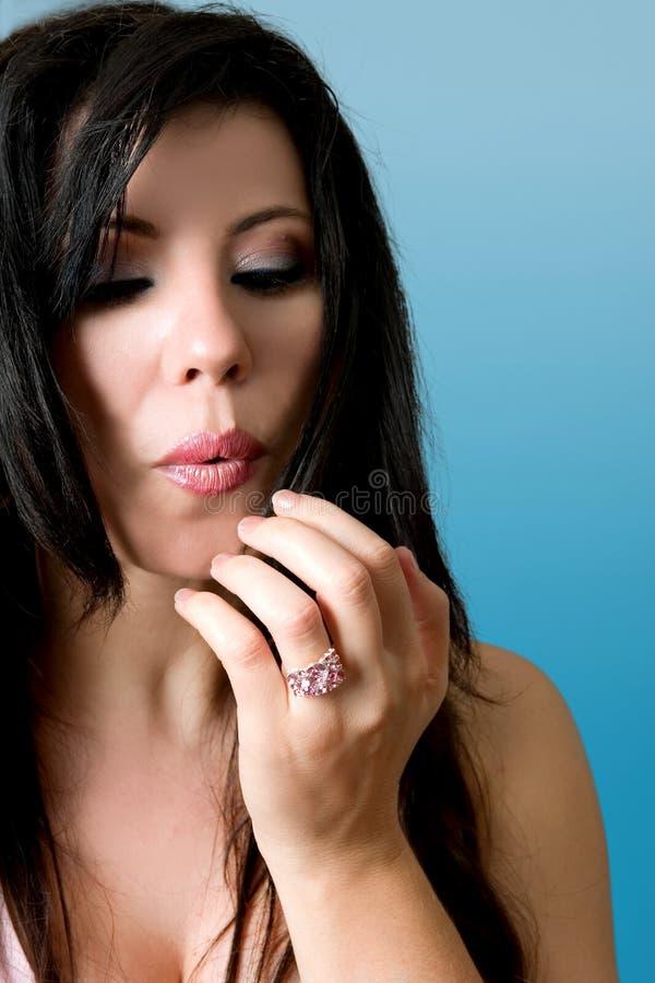 piękno wycierania pomalowane paznokcie zdjęcia stock
