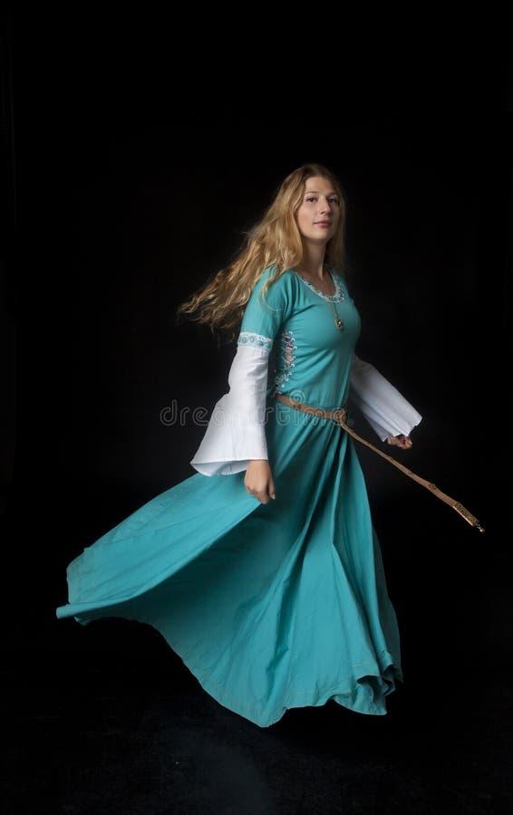 Piękny Średniowieczny tancerz zdjęcia royalty free