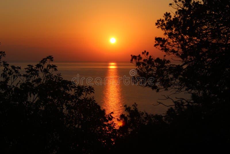 Piękny świt na morzu obrazy royalty free