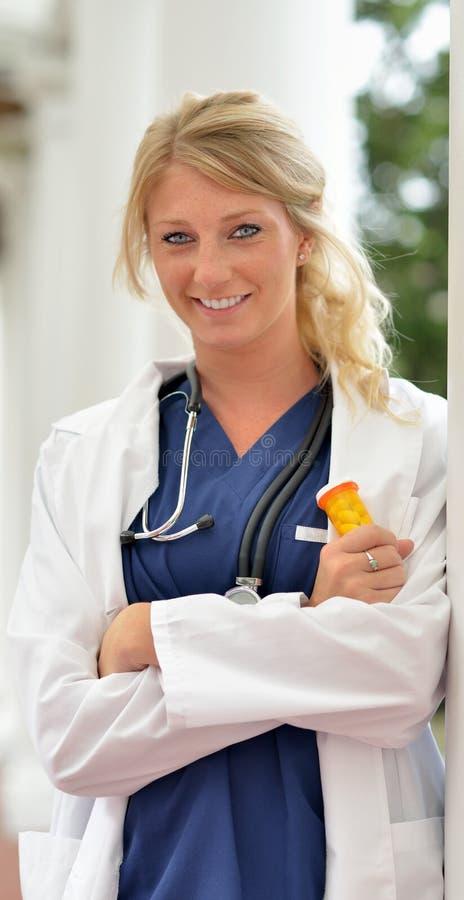 Piękny żeński opieka zdrowotna profesjonalista zdjęcie royalty free