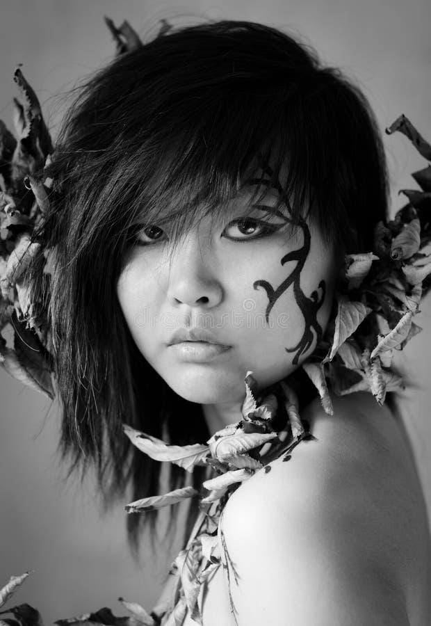 Piękny azjata w czarny i biały fotografii obrazy royalty free