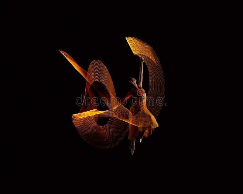 Piękny balerina taniec z światło skutkiem zdjęcie stock