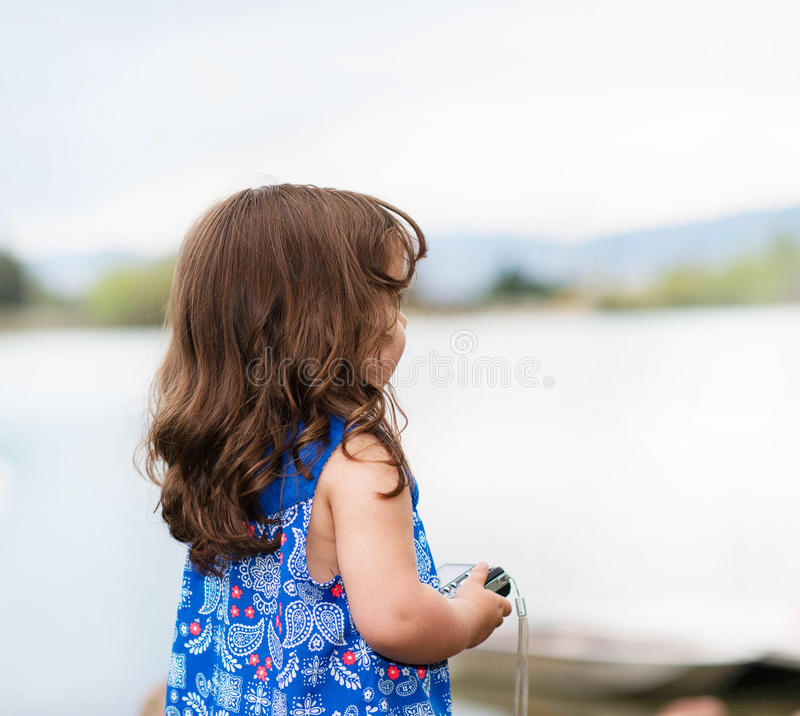 Download Piękny Berbeć W Kwitnącej Sukni Obraz Stock - Obraz złożonej z piękny, suknia: 53792049