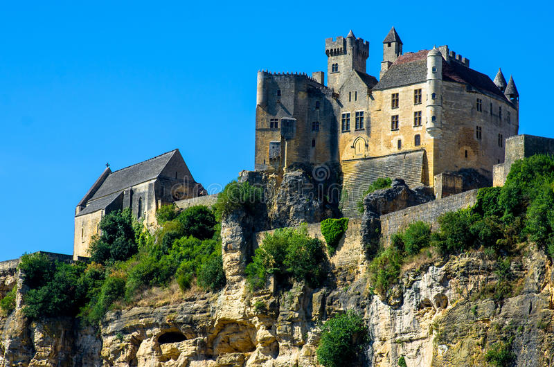Piękny Beynac grodowy trwanie up faleza, Dordogne, Francja obraz royalty free