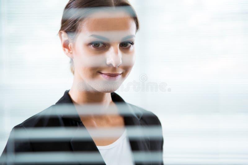 Piękny bizneswomanu ` s portret fotografia royalty free