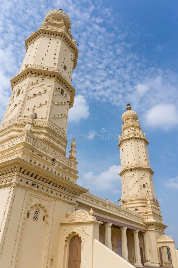 Piękny bliźniacza wieża meczet w Srirangapatna, Karnataka, India zdjęcia stock