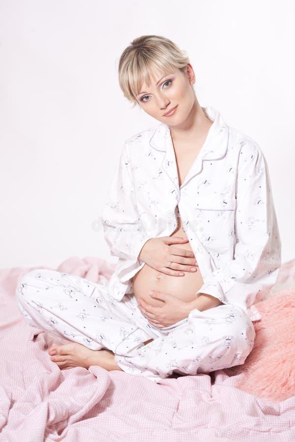 piękny blond kobieta w ciąży zdjęcia royalty free