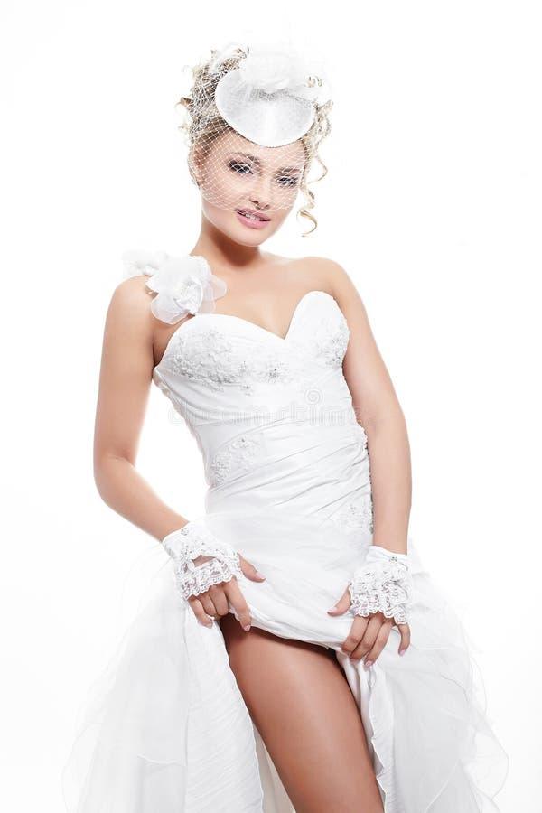 piękny blond panny młodej sukni dziewczyny ślubu biel zdjęcie stock