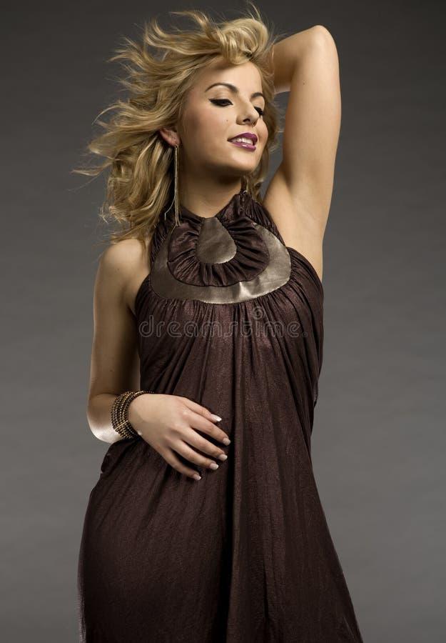 Piękny blondynka model obraz royalty free