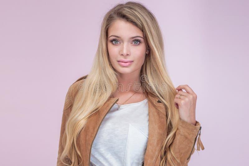 piękny blondynki dziewczyny portret fotografia stock