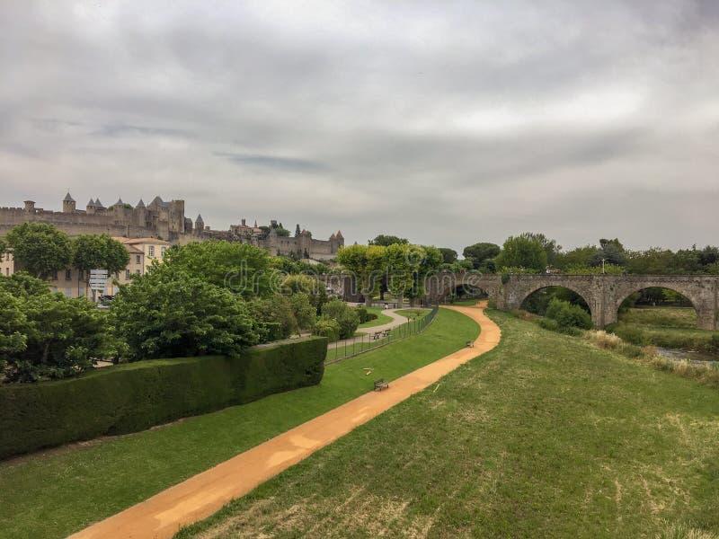 Piękny Carcassonne i most W Francja zdjęcia royalty free