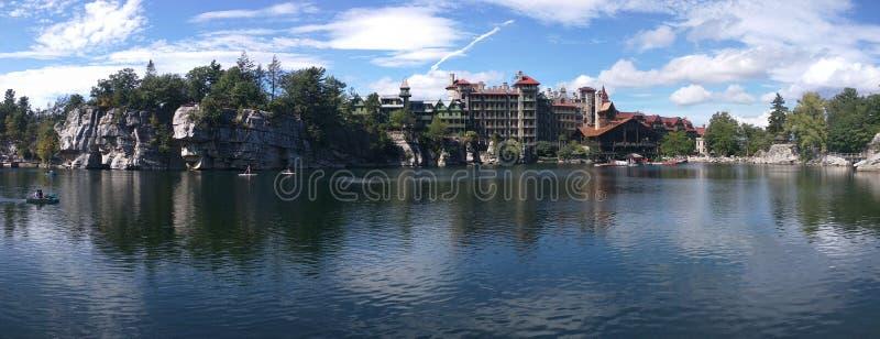 piękny castkill domu mohonk klifu liści czasu szczytu góry jeziora doliny szeroki widok zdjęcie stock