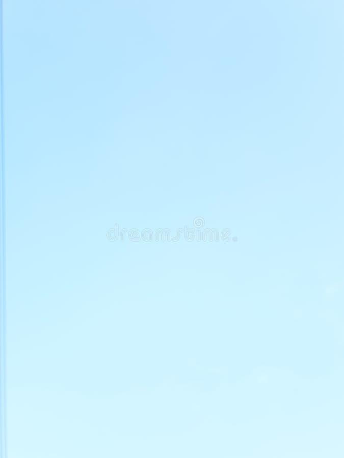 Pi?kny chmury niebieskiego nieba t?a natury kolor obraz stock
