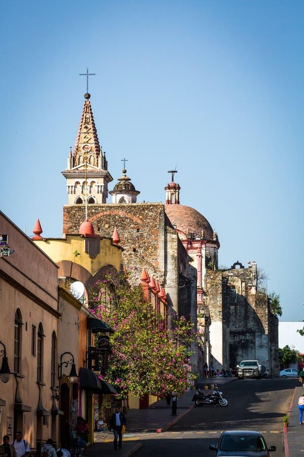 Piękny Cuernavaca miasta krajobraz z domami fotografia stock