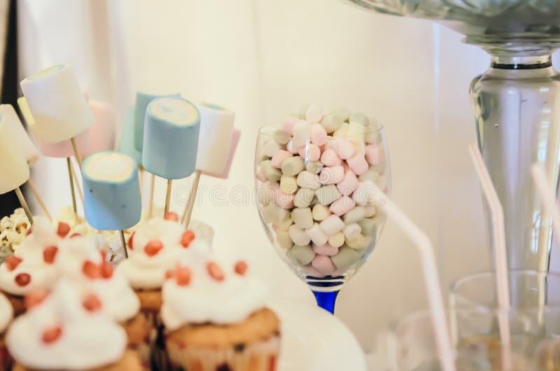 Piękny cukierku bar dla dziecka przyjęcia fotografia royalty free
