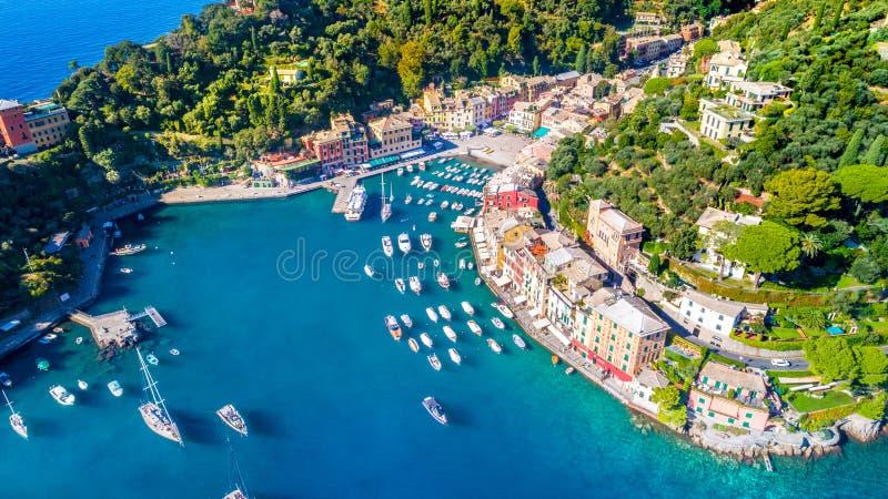 Piękny denny wybrzeże z kolorowymi domami w Portofino, Włochy zdjęcie stock