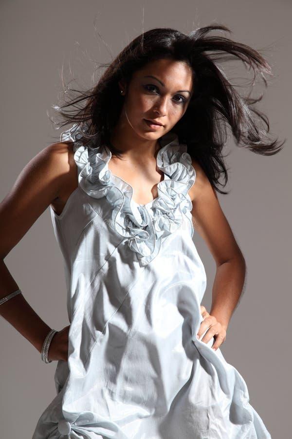 piękny dmuchania mody włosy modela piękny sudio fotografia stock