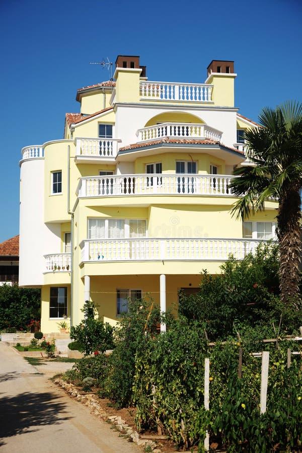 Piękny dom w hiszpańskim stylu zdjęcie royalty free