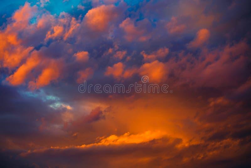 Piękny dramatyczny zimy cloudscape fotografia stock