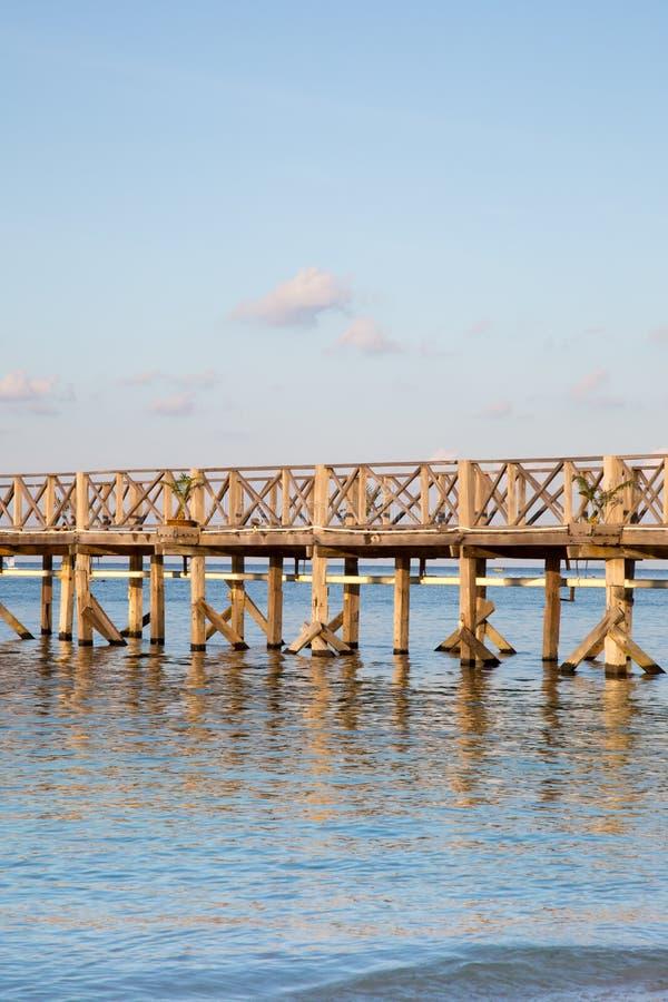 Piękny drewniany most zdjęcia stock